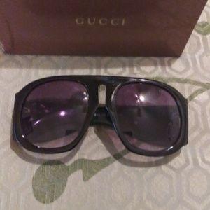 Gucci sunglasses gg125